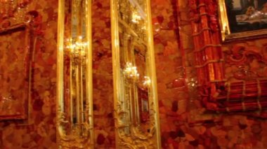 Amber room in Catherine Palace in Pushkin, Saint-Petersburg — Stock Video