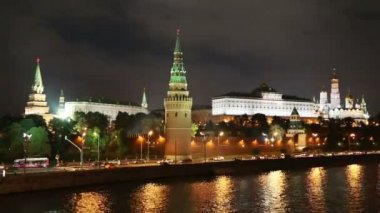 Moscow Kremlin river at night - timelapse — Stock Video