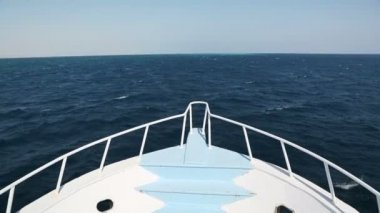 View on yacht bow floating on sea — Stock Video