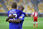 Artem Kravets and Taye Taiwo of Dynamo Kyiv — Stock Photo