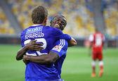 Artem Kravets and Taye Taiwo of Dynamo Kyiv — Stock Photo
