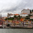 Buildings at Douro river embankment in Porto city — Stock Photo