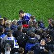 Danilo Silva of Dynamo Kyiv gives autographs — Stock Photo