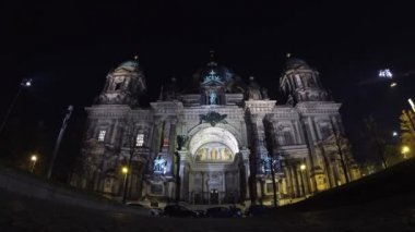 Berlin Cathedral (Berliner Dom) at night, Berlin, Germany — Stock Video