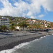 Pebble beach in Santa Cruz, Madeira island, Portugal — Stock Photo