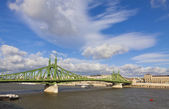 Liberty Bridge over Dunabe river in Budapest, Hungary — Stock Photo