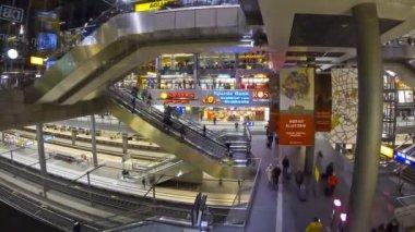 Berlin Hauptbahnhof - central railway station in Berlin, Germany — Stockvideo