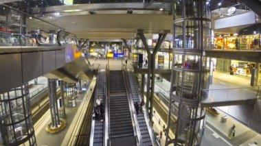 Berlin Hauptbahnhof - central railway station in Berlin, Germany — Stock Video
