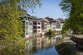 Water canal on Grand Ile island in center of Strasbourg, France — Stock Photo