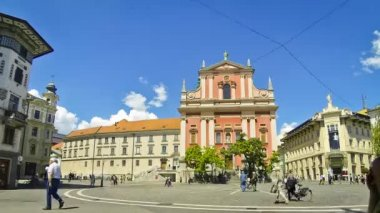 Preseren Square with Franciscan Church in Ljubljana, Slovenia — Stock Video