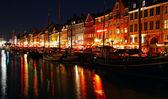 Nyhavn harbor in night, Copenhagen, Denmark — Stockfoto