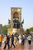 Monument of the Republic on Taksim Square in Istanbul — Stockfoto