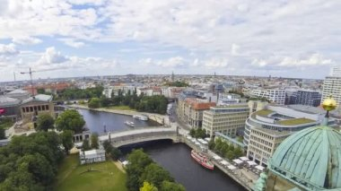 Aerial view of Spree River in Berlin city, Germany — Stock Video