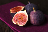 Purple figs — Stock Photo