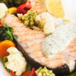 Grilled salmon steak with vegatables — Stock Photo #15652215