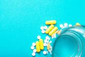 Pillole di medicina bianco — Foto Stock