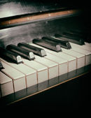 Vieux piano clavier — Photo