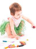 Bambin fille peintures sur papier — Photo