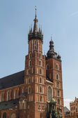 St. Mary's Basilica (Mariacki Church) - famous brick gothic church in Cracow (Krakow), Poland — Stock Photo
