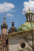 Igreja de st. james, na praça principal em cracóvia, polônia — Foto Stock