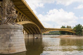 Scenic view of the recently renewed Margit bridge in Budapest. — Stock Photo