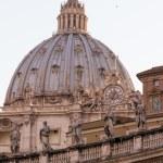 Basilica di San Pietro, Vatican, Rome, Italy — Stock Photo #15469685