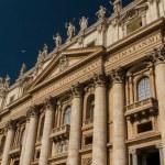 Basilica di San Pietro, Vatican, Rome, Italy — Stock Photo #15481319