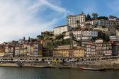 Vue de la ville de porto au bord de l'eau — Photo