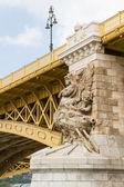 Budapeşte'de yakın zamanda yenilenen margit köprüsü manzaralı görünüm. — Stok fotoğraf