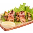 Bacon wrapped grilled Scallops with mushrooms and bacon — ストック写真