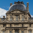 PARIS - JUNE 7: Louvre building on June 7, 2012 in Louvre Museum - 图库照片