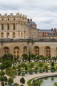 Famous palace Versailles near Paris, France with beautiful gardens — Stock Photo