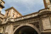 Rom, italien. typiska arkitektoniska detaljer i den gamla staden — Stockfoto