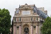 Beautiful Saint Michel fountain in Paris — Stock Photo