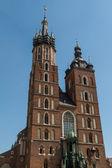 St. Mary's Basilica (Mariacki Church) - famous brick gothic chur — ストック写真