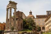 Ruiny przez teatro di marcello, rzym - włochy — Zdjęcie stockowe