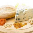 Slice of blue cheese — Foto de stock #24691161