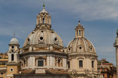 Chiesa del Santissimo Nome di Maria al Foro Traiano and Santa Maria di Loreto in Rome, Italy — Stock Photo