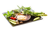 Scallop with asparagus, lime, mint and rosemary — Foto Stock