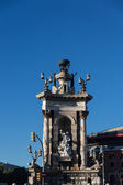 Plaza de Espana fountain with National Palace in background — Stock fotografie