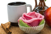 Ontbijt maken koffie, marsepein en perzik — Stockfoto