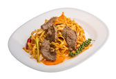 Fried noodles with beef — Stockfoto