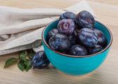 Ameixas frescas maduras — Fotografia Stock