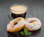 Coffee with donuts — Stock Photo