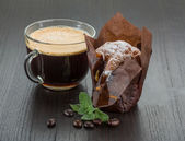 Coffee with muffin — Stock Photo