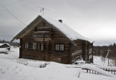 Old farmhouse in the Karelian village. — Stock Photo