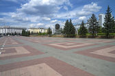 The central square of Ulan-Ude with an unusual monument to Lenin — Stock Photo
