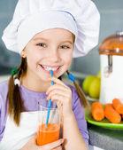 Girl making fresh juice — Stock Photo