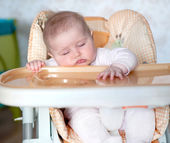 Baby fell asleep after eating — Stock Photo