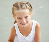 Liitle girl close-up — Stock Photo